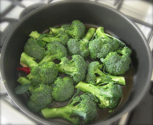 Broccoli affogati ricette di cucina il cuore in pentola for Cucinare broccoli